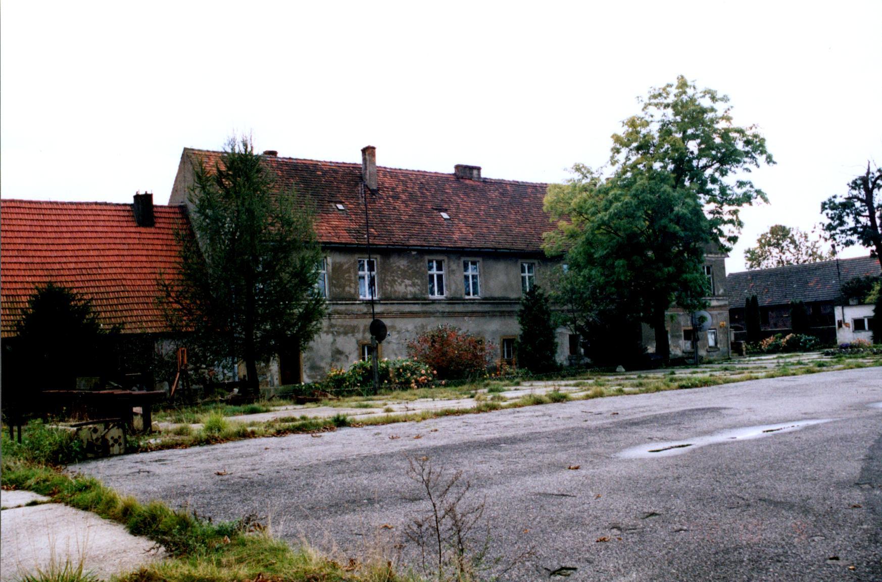 Białowice- dwór