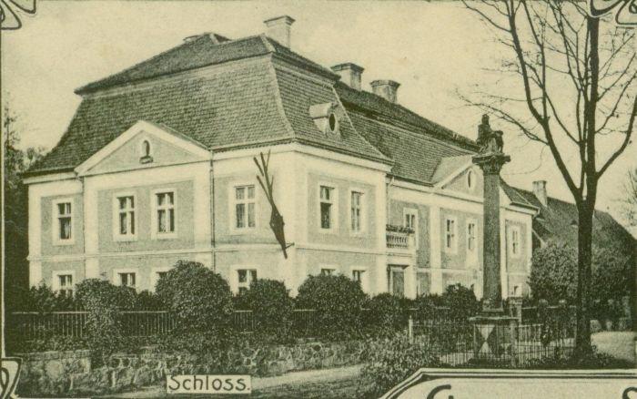 Jablonow- palac od frontu