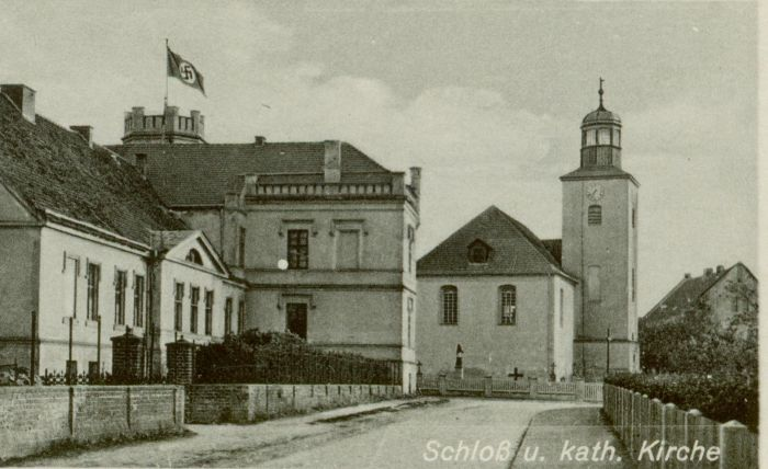 Kolsko- palac i kosciol katolicki