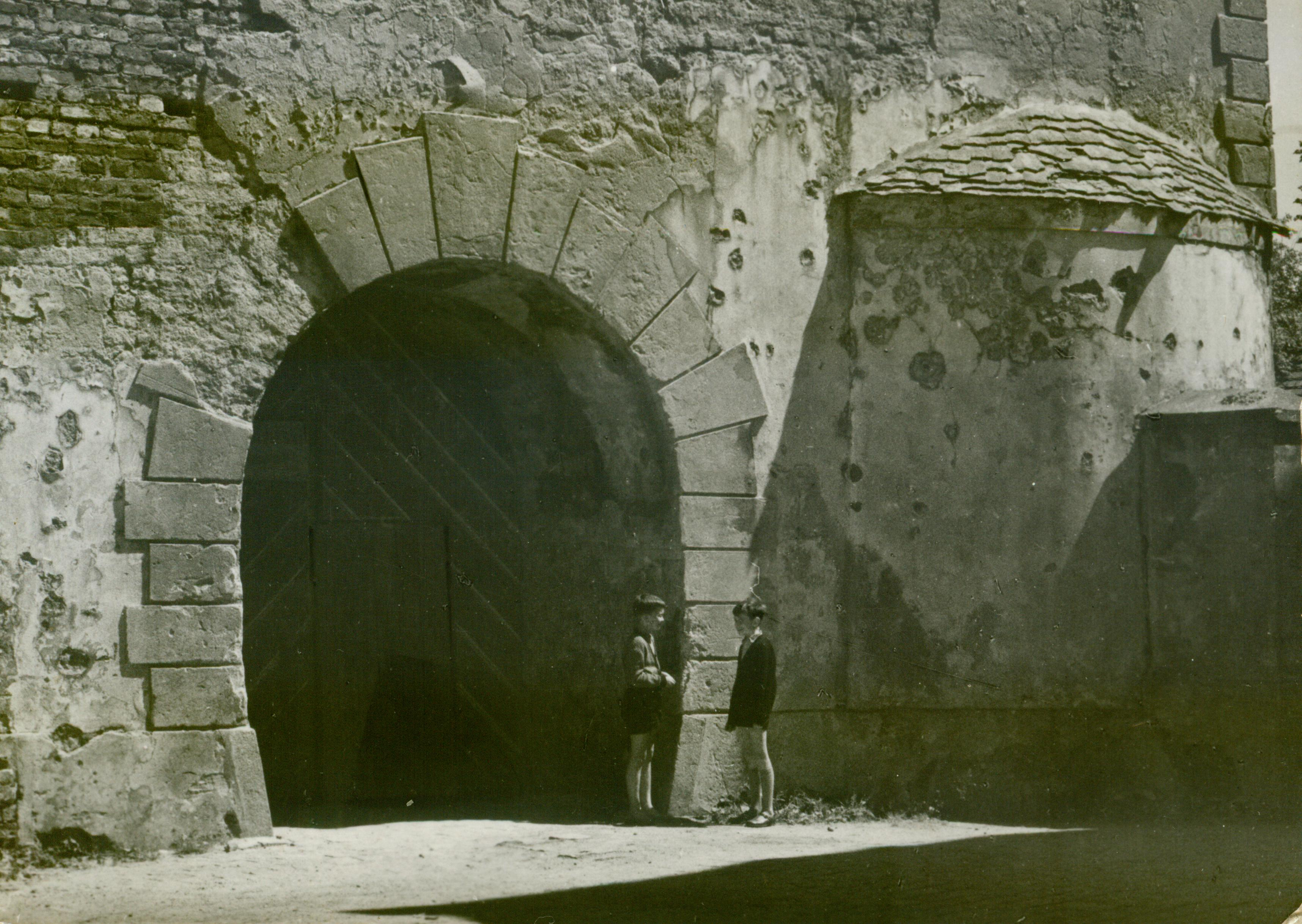 Krosno Odrzanskie- portal zamku