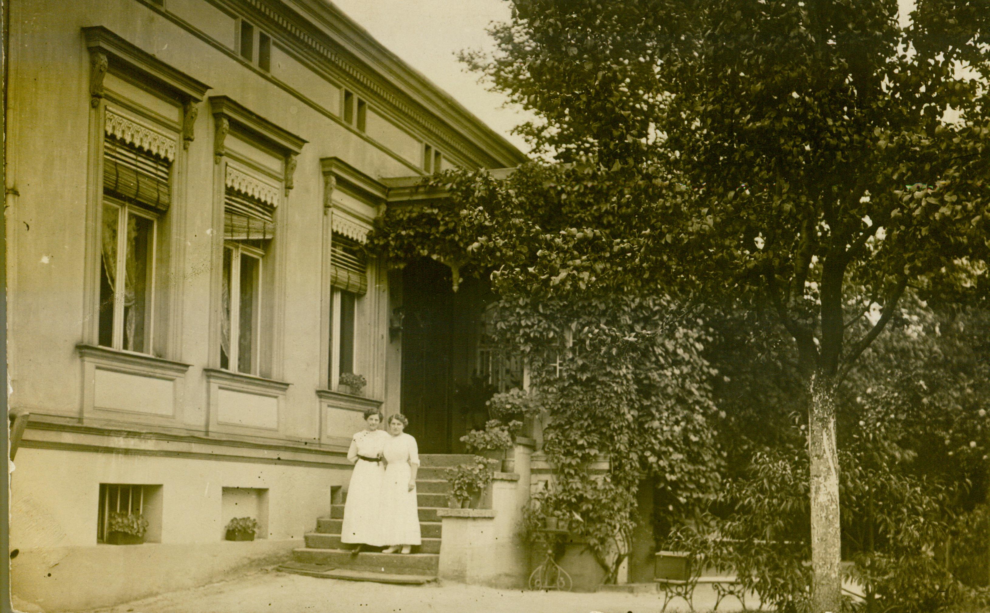 Lubsko-na schodach willi lub może zamku