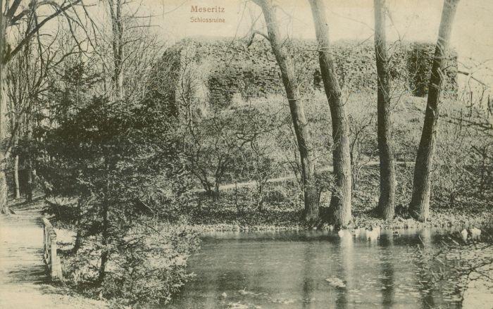 Międzyrzecz- ruiny zamku+fosa