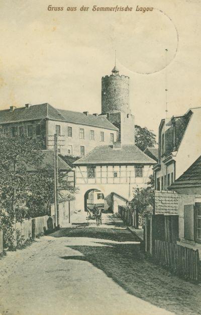 Łagow- zamek od strony bramy marchijskiej002