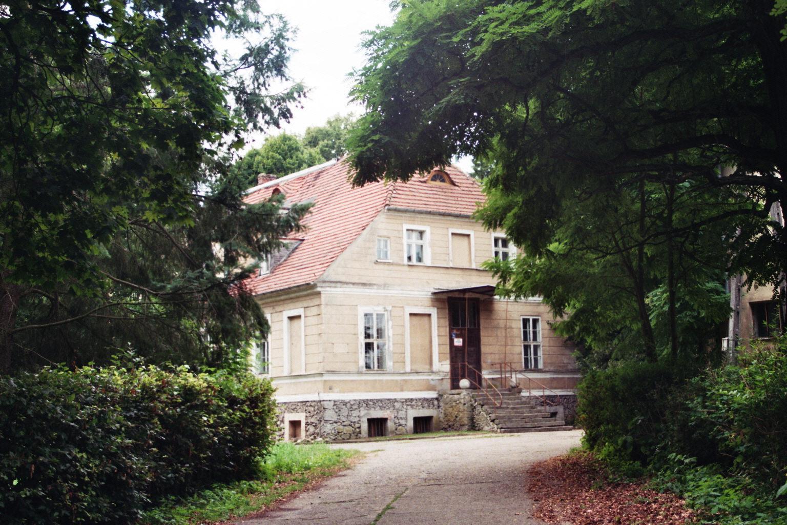 Barzkowice  (9)