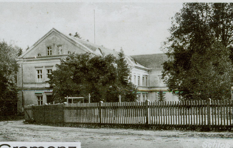 Grzmiąca- pałac