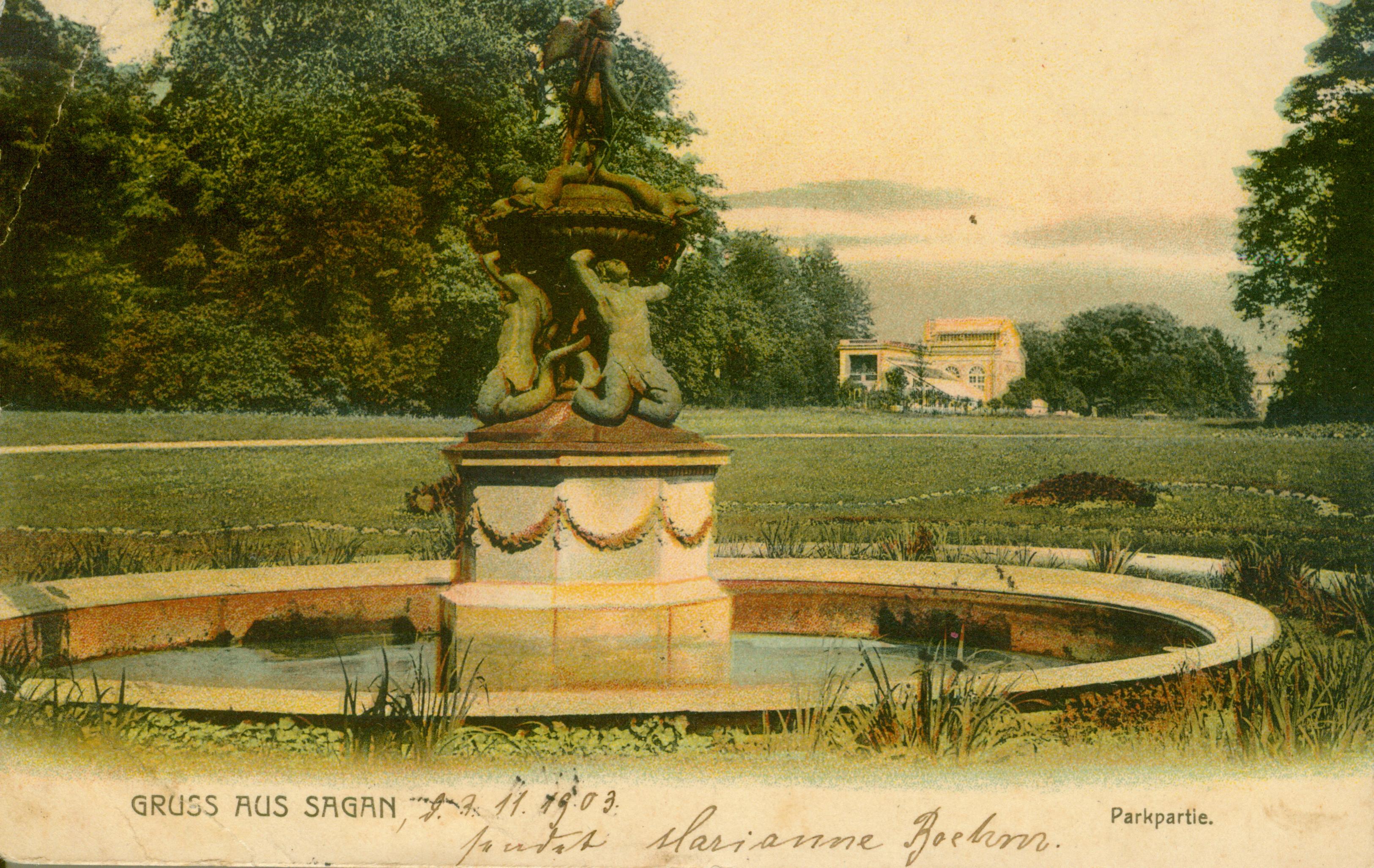 Żagań- częśc parku z fontanną
