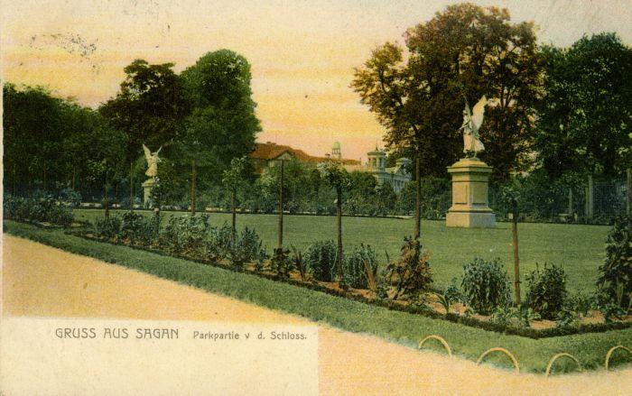 Zagan- czesc parku z rzezbami