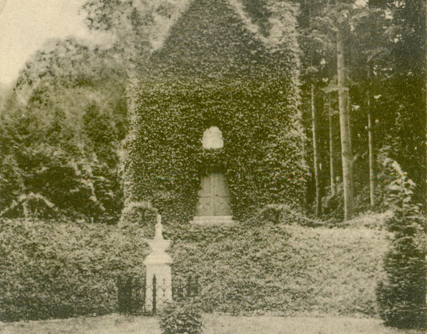 Mechowo-mauzoleum