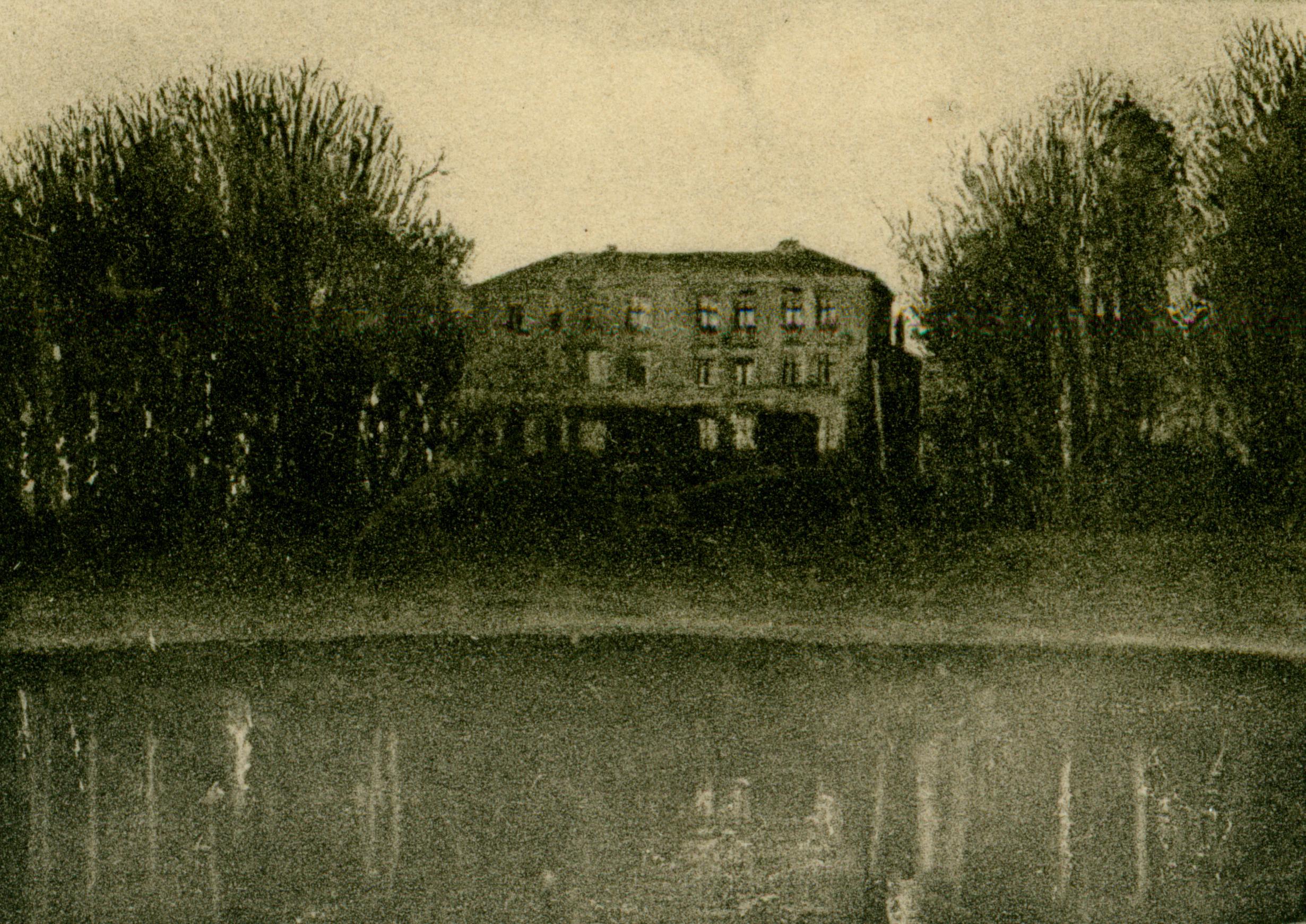 Zajezierze-pałac 2