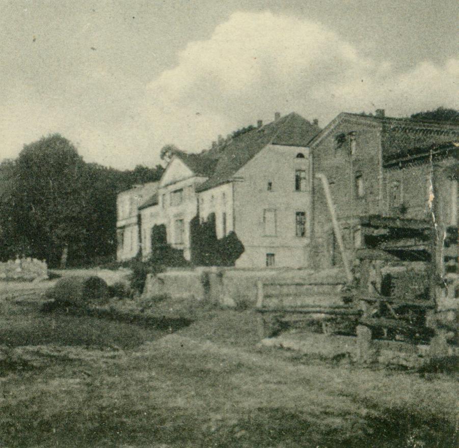 Przebysław-pałac2