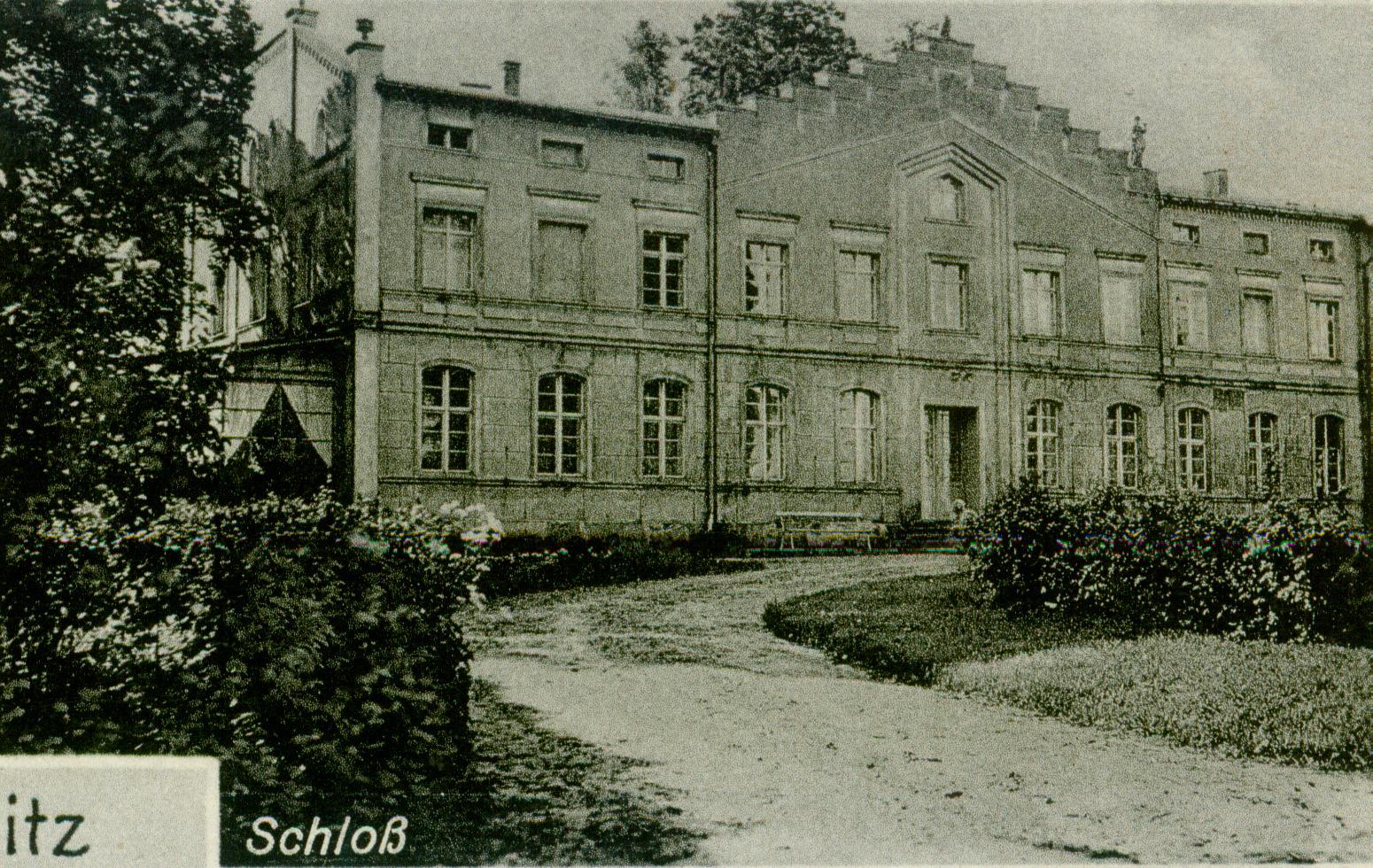 Karwice pałac